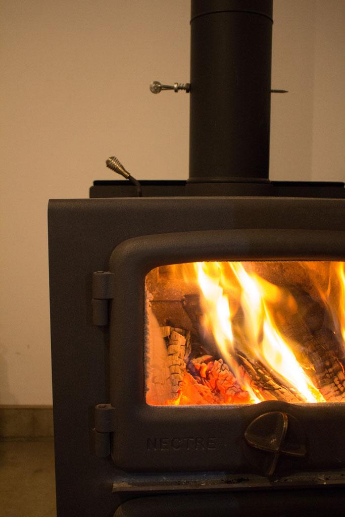 薪ストーブの火がキレイ